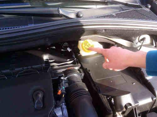 Vérifier le liquide de frein