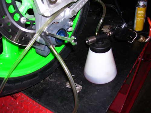 Comment utiliser un purgeur de frein